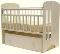 Кроватка Каролина маятник поперечный 120*60 белый Мишка с короной Витринный образец