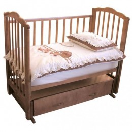Кроватка С 669 Элина красно-коричневый поперечный маятник с ящиком